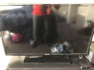 32 inch Samsung TV. for Sale in Chicago, IL