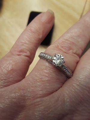14k gold 86ct diamonds ring for Sale in San Francisco, CA