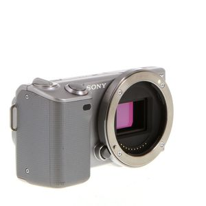 Sony Nex-5 (body only)-$55 for Sale in New York, NY