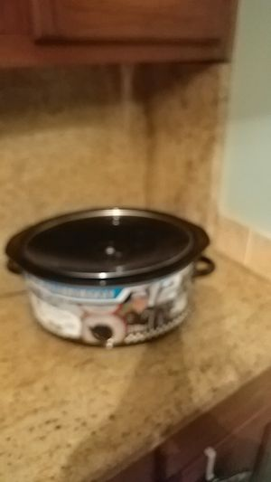 Ryan Newman (new) crock pot for Sale in Lithonia, GA
