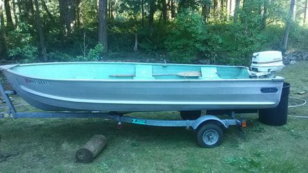 16 ft gamefisher aluminum boat with 25 HP Johnson outboard for Sale in Kent,  WA