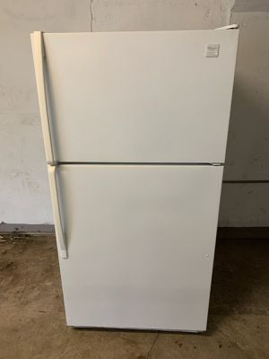 📢📢Whirlpool Refrigerator Fridge With Icemaker 33 in. Wide #1468📢📢 for Sale in Glen Burnie, MD