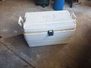 Igloo cooler for Sale in New Rochelle, NY