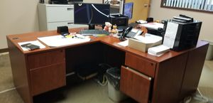 L shaped desks (2) for Sale in Overland, MO