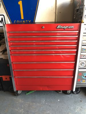 SNAP-ON TOOL CHEST FULL OF TOOLS PRICED TO SELL FAST !!!!! for Sale in St. Petersburg, FL