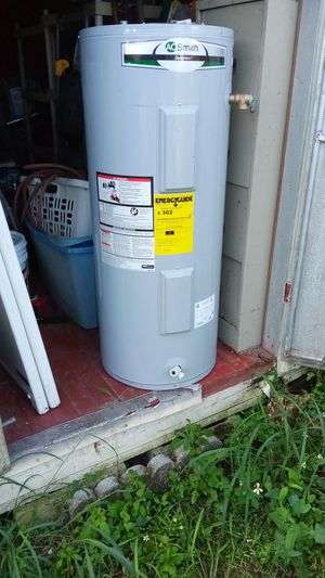 30 gallon ao Smith water heater for Sale in Orlando, FL