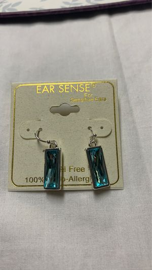 Brand new earring paid 9dollars I want 5 for Sale in Murfreesboro, TN
