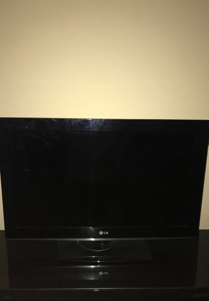 """30"""" LG TV for Sale in Knoxville, TN"""