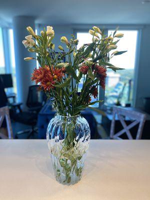 Giant flower Vase 13X10 for Sale in Reston, VA