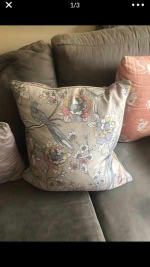 2 matching throw pillows for sofa or couch for Sale in Los Angeles, CA