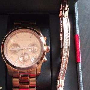 A BEAUTIFUL MICHAEL KORS WATCH AND BRACELET BOTH FOR $95 for Sale in Manassas, VA