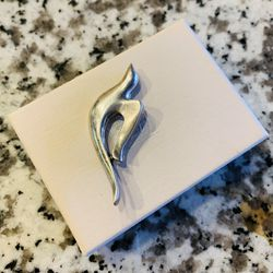 James Avery Sterling Silver Dove Pin for Sale in Austin,  TX