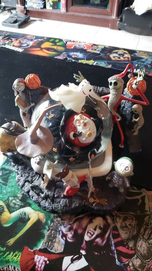 The nightmare before christmas snow globe for Sale in Wahneta, FL