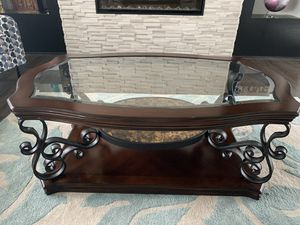 Coffee Table- excellent condition!Moving Sale for Sale in Andover, KS