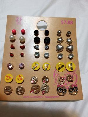 Girls emoji earrings. New package...21 pairs for Sale in Renton, WA