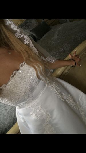 Beautiful Sparkly Wedding Dress for Sale in Venice, FL