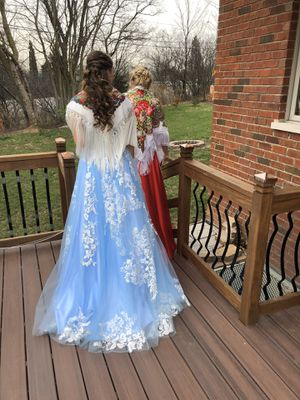 PROM DRESS SIZE 2 for Sale in Hinsdale, IL