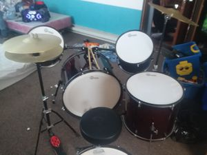Gammon drum set for Sale in Bloomfield, IA