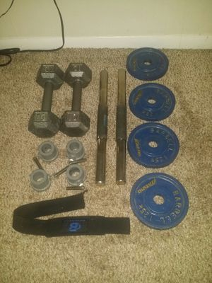 2 iron hex 10lb dumbbells, 2 dumbbell bars with 4 weight clip holders, 4 iron weights 2.75lbs each. Dumbbell hand weight wrap. for Sale in Deerfield Beach, FL