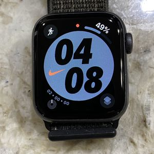Apple Watch Series 4 40mm Cellular Nike Edition for Sale in Houston, TX