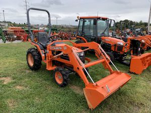 Kubota B7510 4x4 Loader Tractor for Sale in Myerstown, PA