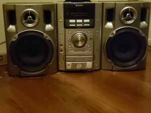 3 CD player stero for Sale in Port Orchard, WA