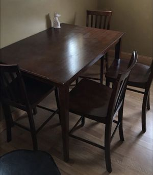 Dining room table with four chairs for Sale in Pittsburgh, PA