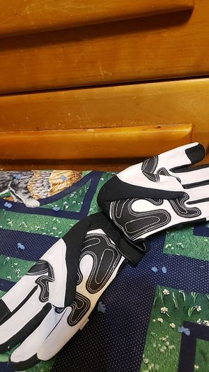 Gloves for Sale in Dallas, TX