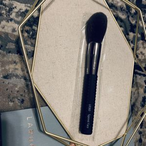 50%OFF RETAIL- LARUCE LR360 TAPERED BRUSH for Sale in Lake Forest, CA