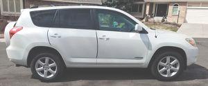 Clean interior 2006 TOYOTA RAV4 Automatic transmission for Sale in Sacramento, CA
