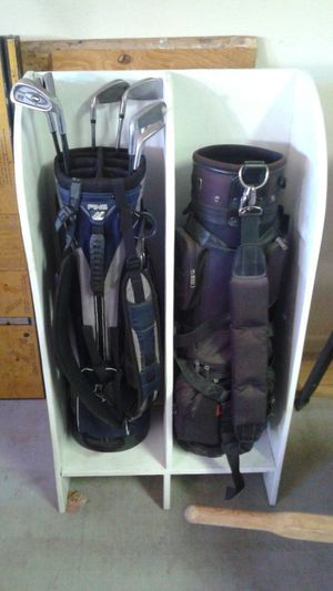 Rack for golf clubs for Sale in Phoenix, AZ