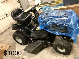 Murray 42in tractor mower for Sale in Cleveland, OH