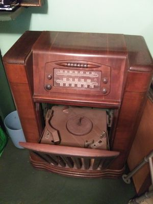 Old radios for Sale in Springfield, MA