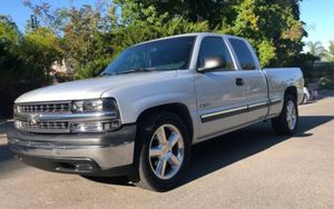 2001 Chevy Silverado Runs and drives Excellent for Sale in Baltimore, MD