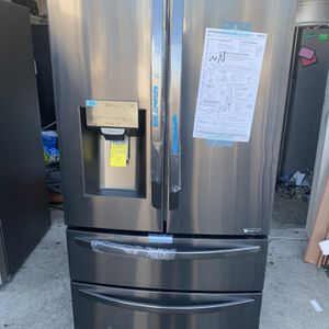 Black Stainless Steel Lg Refrigerator New for Sale in Santa Ana, CA