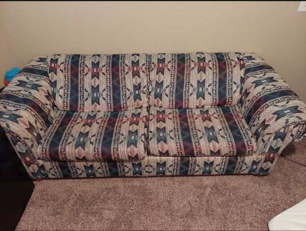 Free Sleeper Couch/Sofa (Pull Out Bed)