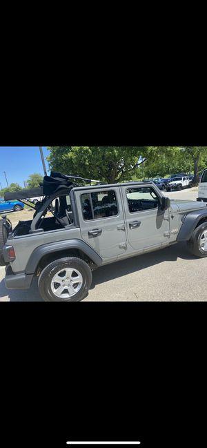 Jeep JL OEM Premium Soft Top Mopar for Sale in Cleveland, OH