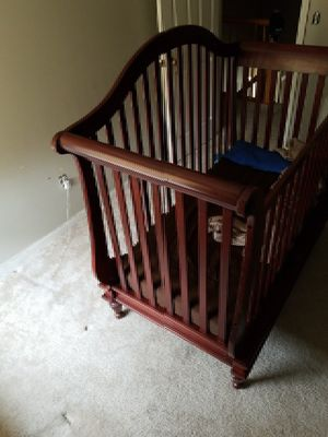 Wendy Bellissimo crib,dresser, and changing table for Sale in Bowie, MD