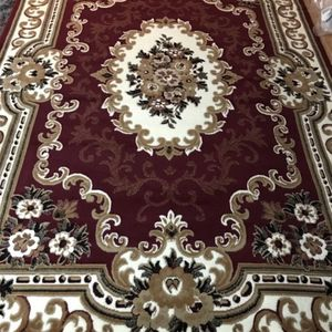 Traditional Area Rugs 8 ft. x 10 ft( Burgundy ) for Sale in Long Beach, CA