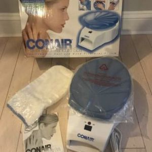 New Conair Paraffin & Manicure Set with Nail Dryer for Hand & Dryer for Sale in Woonsocket, RI