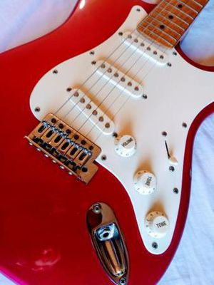 Fender Strat / Stratocaster Copy Electric Guitar by Hohner in Excellent Condition for Sale in Los Angeles, CA