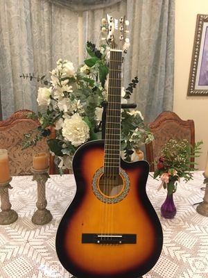 Fever acoustic guitar 3/4 size 38 inches length for Sale in Bell, CA