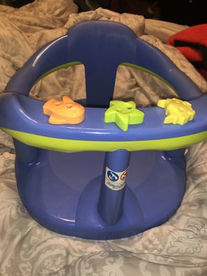 Baby supporting booster seat for Sale in Reedley, CA