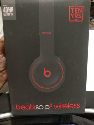 Beats solo 3 Wireless Headphones Defiant Black Red Decade edition Bluetooth for Sale in Houston, TX