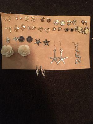 21 pairs of earrings for Sale in Phoenix, AZ