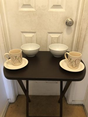 Medium bowls and mugs/plates for Sale in Los Angeles, CA