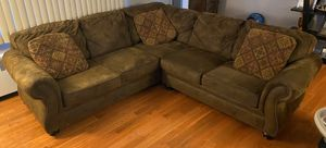 Broyhill sectional for Sale in Baldwin, NY