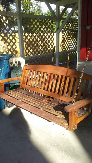 5' wood porch swing for Sale in New Smyrna Beach, FL