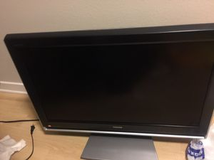 Toshiba 42 inch flat screen with DVD player for Sale in Santa Monica, CA