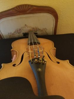 yellow violin beutifull no label good sound ready to play for Sale in Los Angeles,  CA